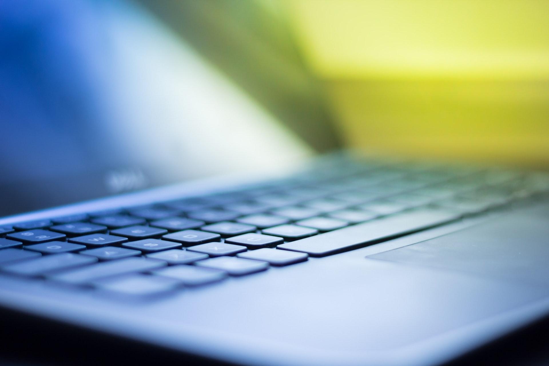 light-laptop-computer-colors-18547-1